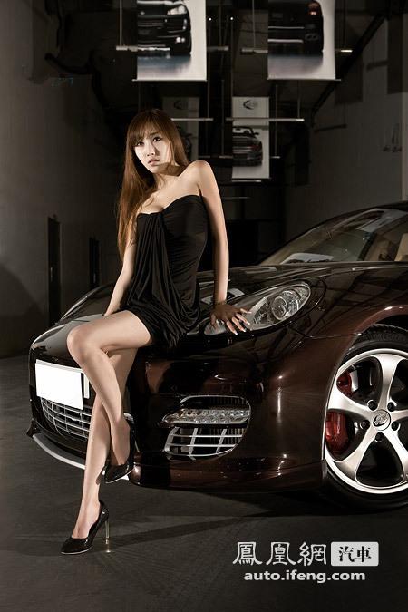 Vẻ đẹp Châu Á cùng xe sang trọng