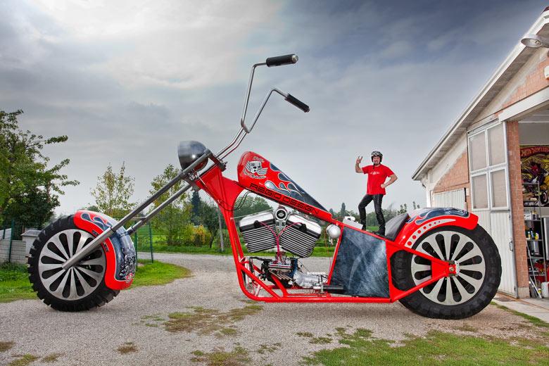 Chiếc xe máy lớn nhất thế giới lập kỷ lục Guinness