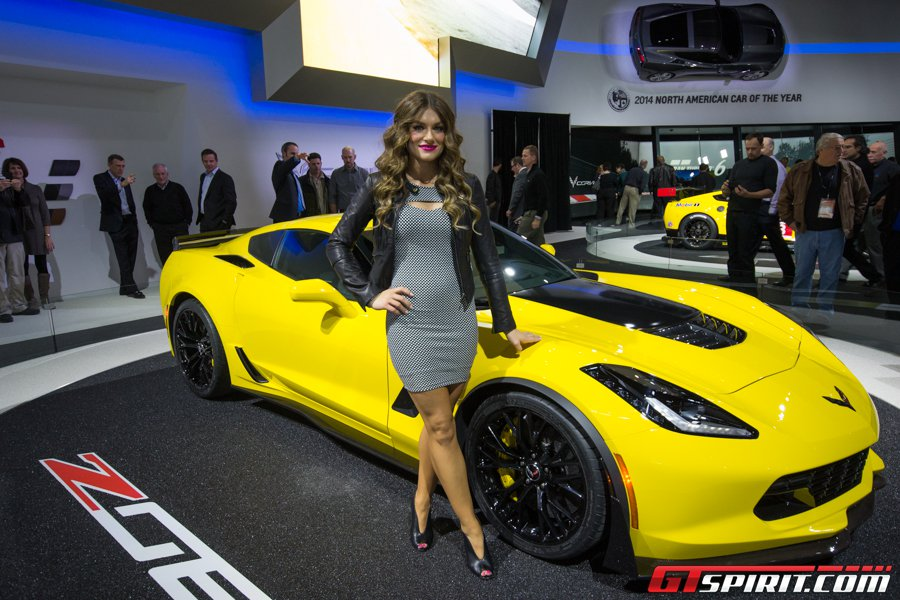 Ngắm người đẹp tại Detroit Auto Show 2014