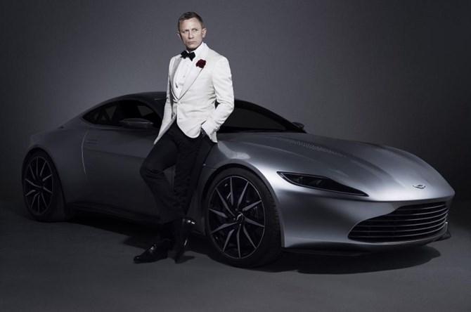 Aston Martin DB10 trong phim của James Bond được bán đấu giá gần 3,5 triệu USD