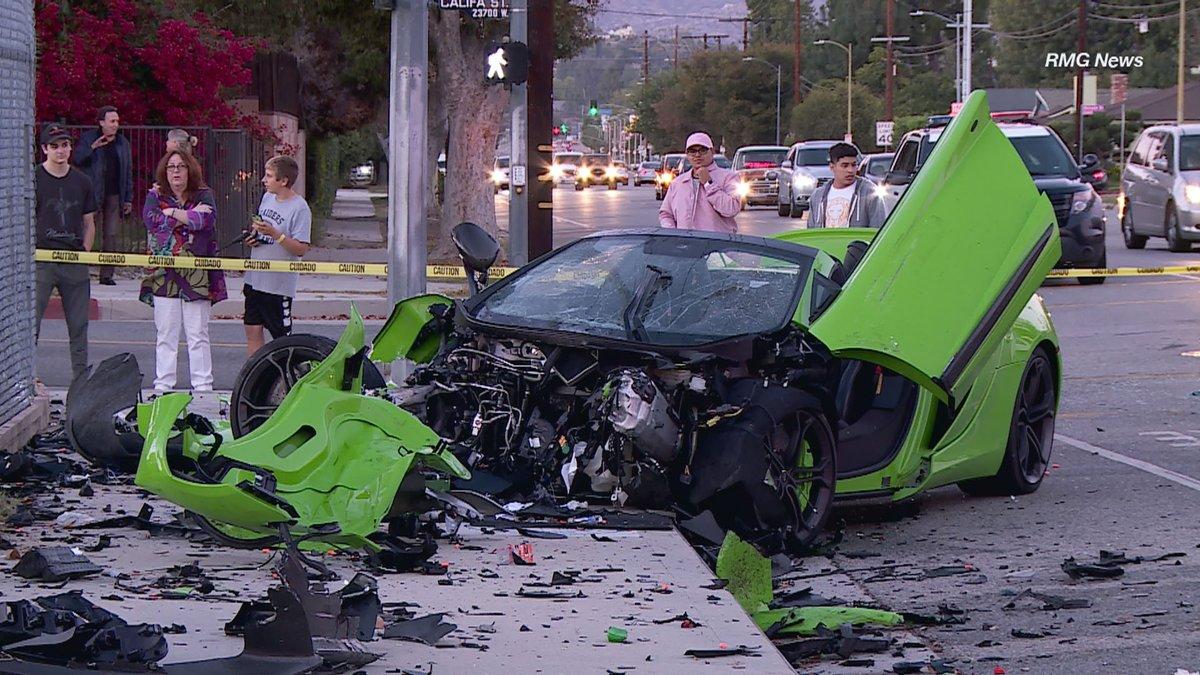 Siêu xe McLaren 650S nát đầu sau tai nạn