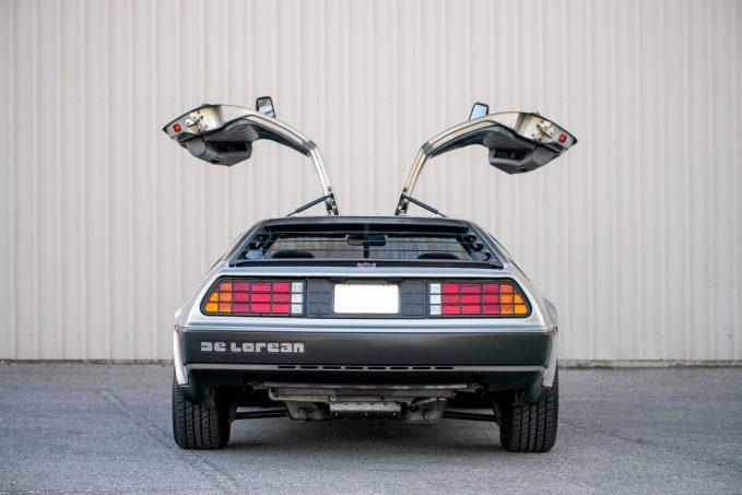 10 chiếc xe siêu kinh điển trong phim Hollywood