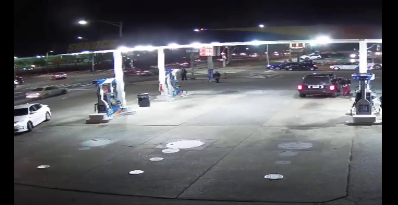 Bị cướp Range Rover ngay trước mắt