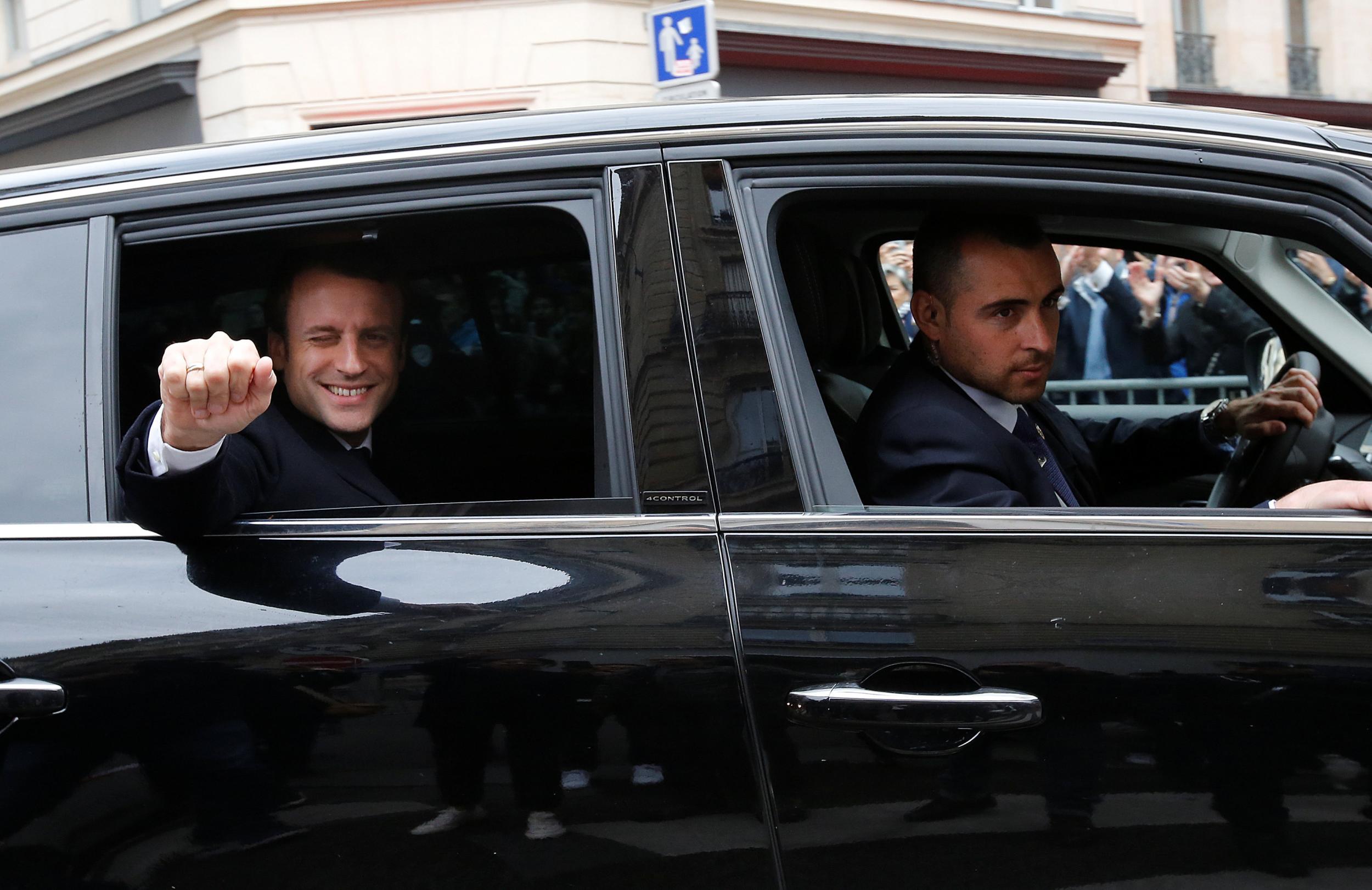 Tân Tổng thống Pháp từng sử dụng chiếc xe nào?