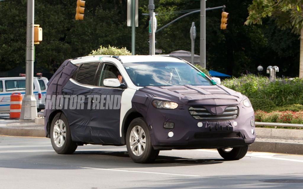 """Hyundai """"trình làng"""" mẫu xe Santa Fe 2013"""