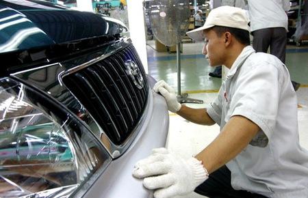 Sức mua ôtô, xe máy giảm mạnh