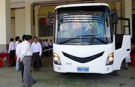 Miễn thuế nhập linh kiện xe bus tại Hà Nội và Tp.HCM