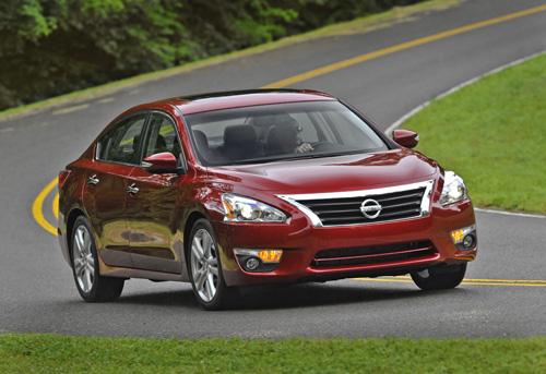 Nissan Altima 2013 có giá 21.500 USD