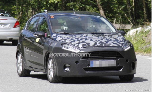Ford Fiesta facelifted 2014 sắp lộ diện