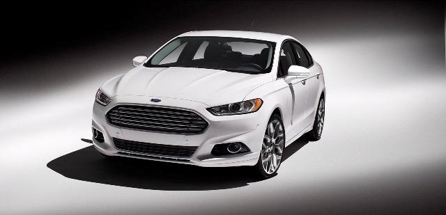 Ford Fusion 2013 có giá từ 22.495 USD