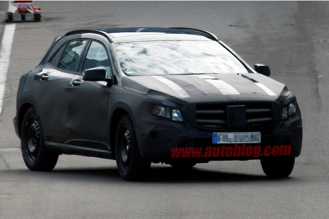 Mercedes GLA chạy thử nghiệm