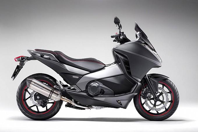 Honda Integra Sport Edition có giá từ 12,710 USD