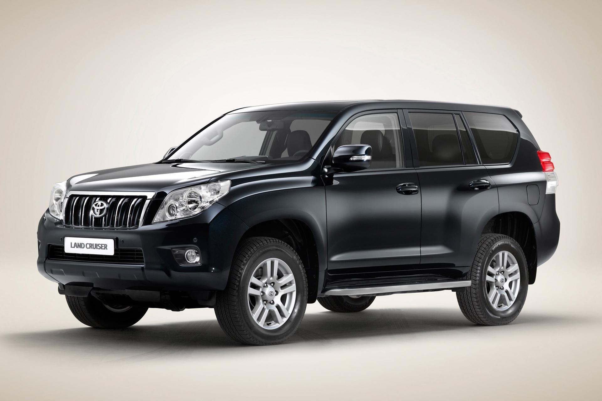 Toyota Việt Nam thu hồi 126 chiếc Land Cruiser Prado và Hiace