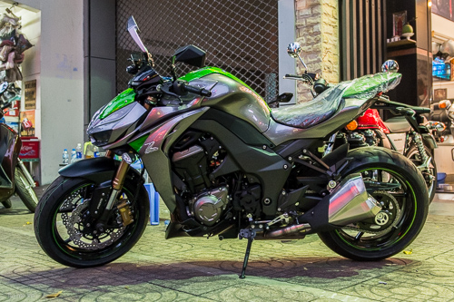 Kawasaki Z1000 2014 đầu tiên về Việt Nam