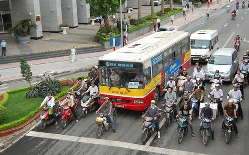 Bỏ thu phí bảo trì đường bộ với xe gắn máy?