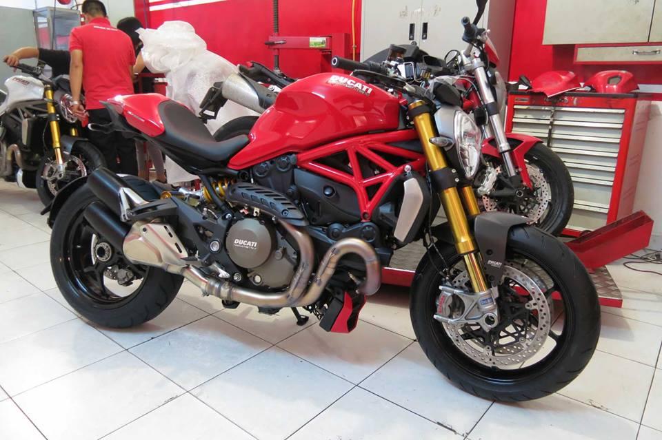 Cặp đôi Ducati Monster 1200S bất ngờ xuất hiện tại Việt Nam