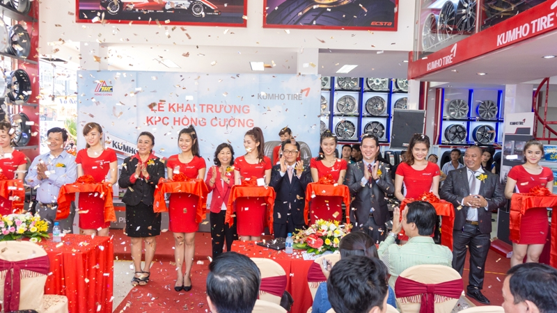 Kumho Tire khai trương cửa hàng Kumho KPC Hồng Cường