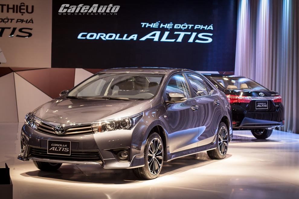 Toyota Corolla Altis 2014 diện kiến người dùng Việt, giá từ 757 triệu đồng
