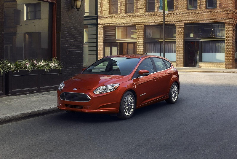 Ford Focus Electric 2015 rẻ hơn tới 6.000 USD