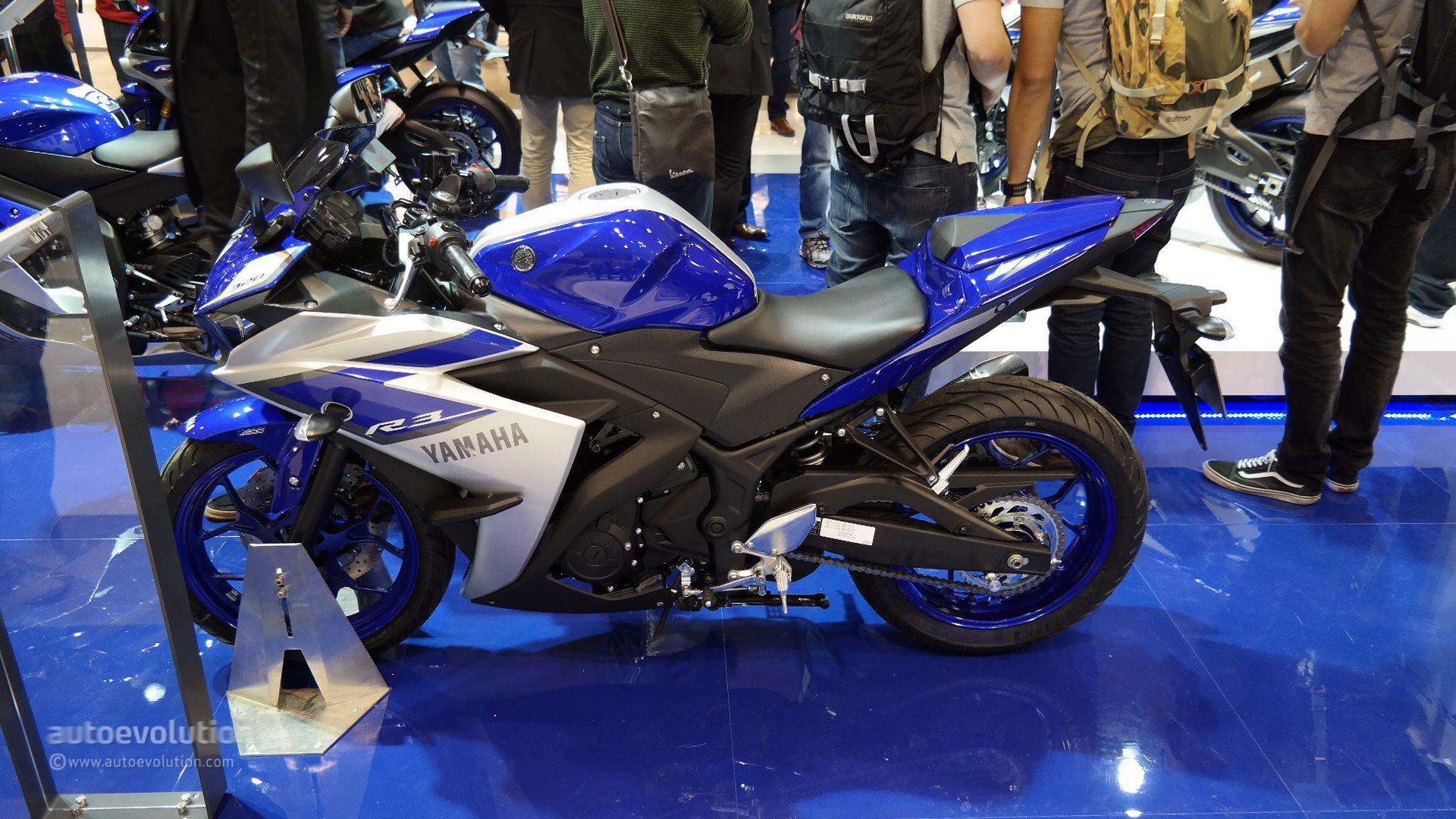 EICMA 2014: Yamaha YZF-R3 tốt hơn mong đợi