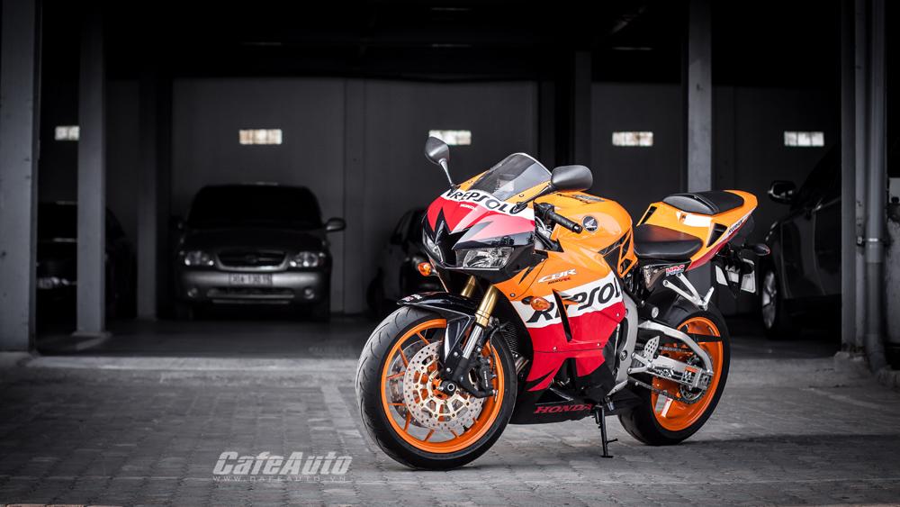 Ngắm chi tiết Honda CBR600RR 2014 đầu tiên tại Hà Nội