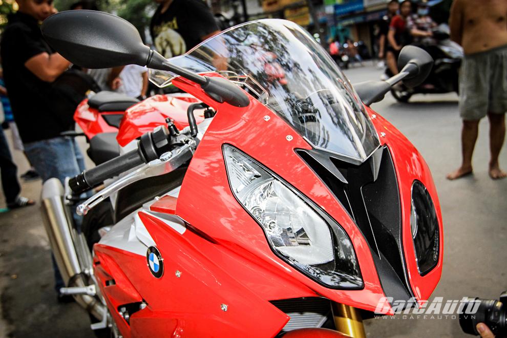 Chiêm ngưỡng BMW S1000RR 2015 đầu tiên tại Việt Nam
