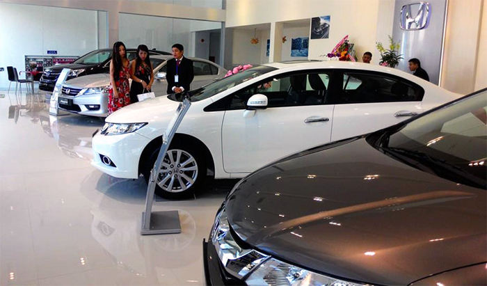 Tăng thuế lên giá, hối nhau đi mua ôtô
