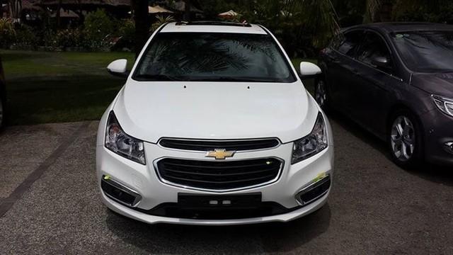 Chưa chính thức ra mắt, Chevrolet Cruze 2015 đã lộ ảnh và giá