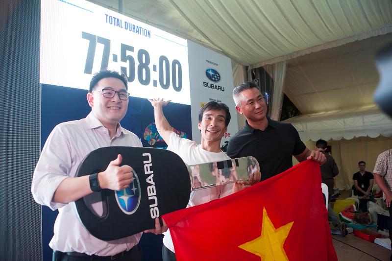 Giữ nguyên bàn tay 77 giờ, thí sinh Việt Nam ẵm giải thưởng 1,3 tỷ đồng