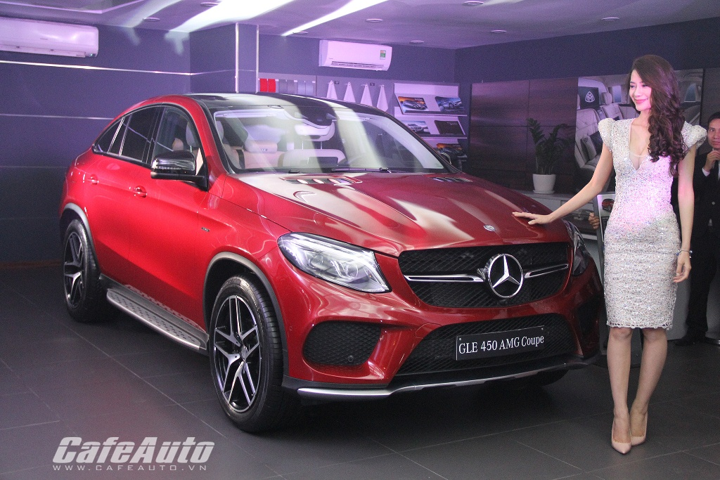 Mercedes-Benz GLE và GLE Coupe Class diện kiến khách hàng Hà Nội