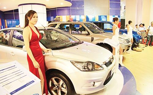Nhiều dòng xe tăng giá từ 1/1/2016 vì thuế tiêu thụ đặc biệt