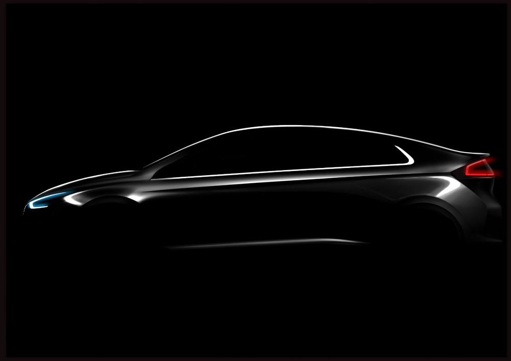 """Hyundai tung """"hàng độc"""" quyết soán ngôi Toyota Prius"""