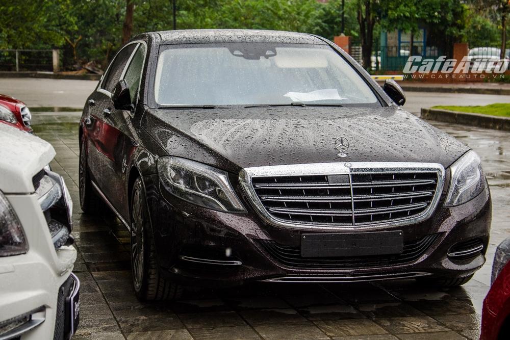 Cận cảnh Mercedes-Maybach S600 Ruby Black