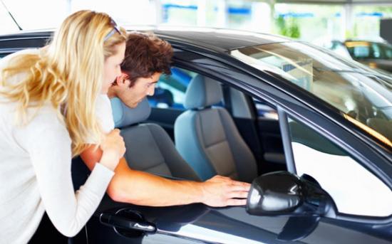 Chọn thời điểm mua xe để hưởng lợi nhiều nhất