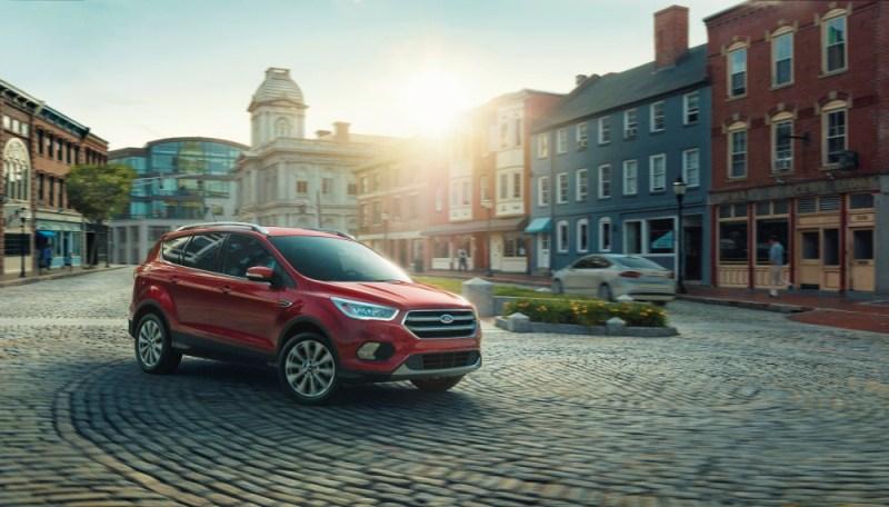 Ford bắt đầu sản xuất Escape 2017
