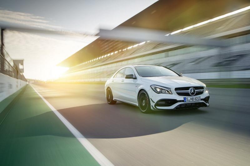 Mercedes-Benz nâng cấp CLA 2017 từ trong ra ngoài