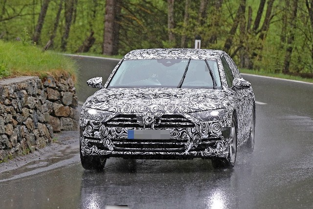 Audi A8 2018 lần đầu lộ diện trên đường thử