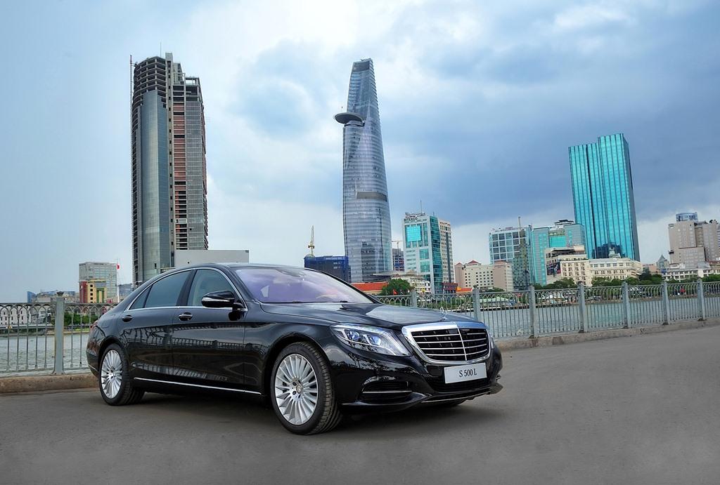 Mercedes-Benz Việt Nam giới thiệu mẫu xe đầu tiên trang bị hộp số 9 cấp