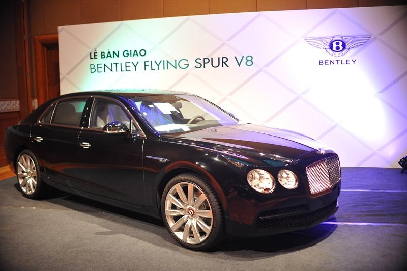 Bentley Flying Spur chính hãng thứ 5 đến tay khách hàng