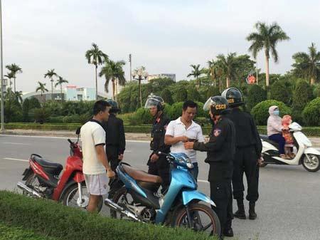 Cảnh sát Cơ động vẫn phạt vi phạm giao thông ban ngày