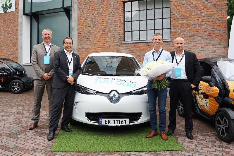 Renault bàn giao chiếc xe điện thứ 100.000