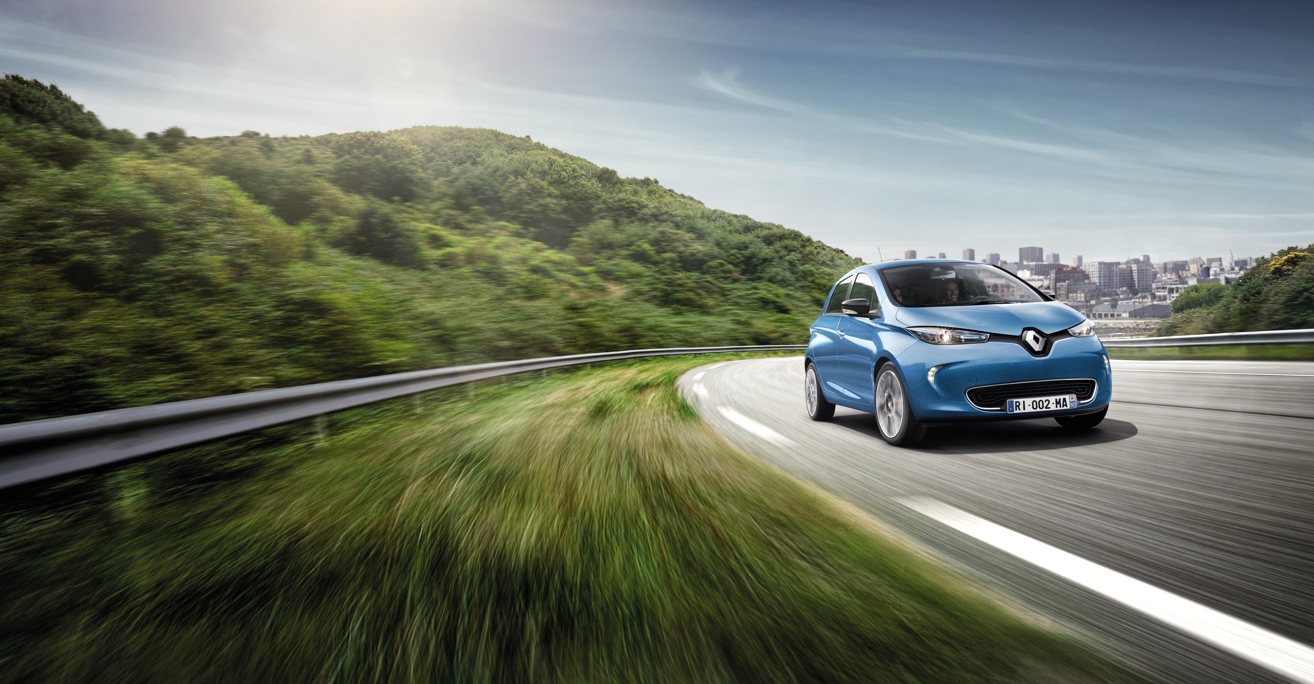 Renault thiết lập kỷ lục mới tại triển lãm Paris Motorshow
