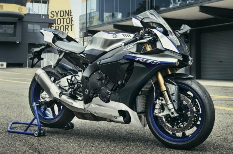 Yamaha YZF-R1M 2017 sẽ được bán trực tuyến vào tháng 11