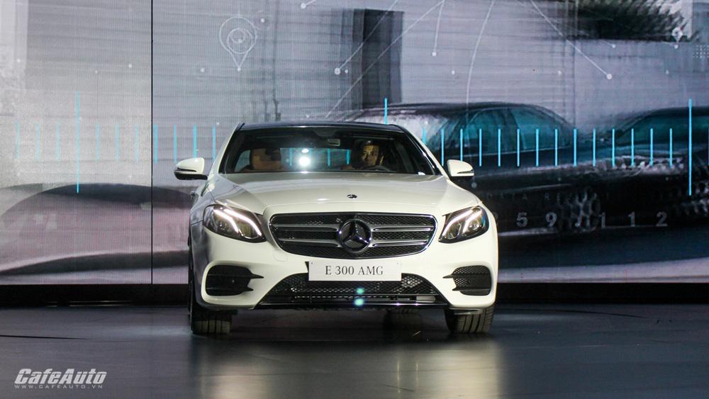 Mercedes-Benz E-Class 2017 chính thức ra mắt thị trường Việt