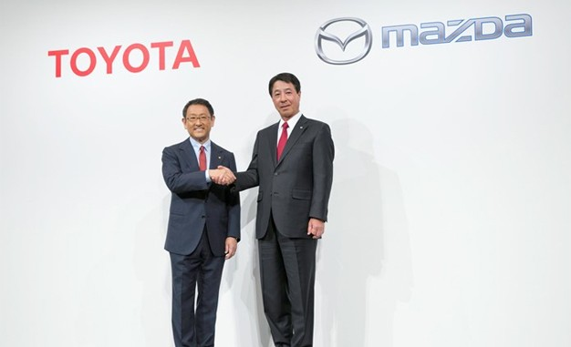 Toyota và Mazda hợp tác phát triển xe điện