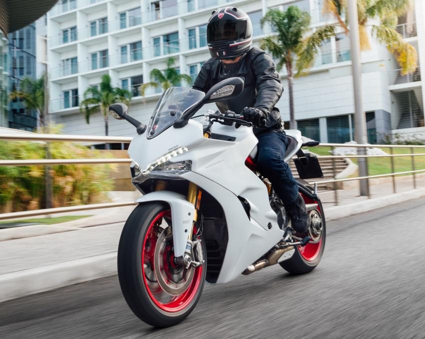 Ducati Supersport 2017 mẫu xe đẹp nhất tại EICMA