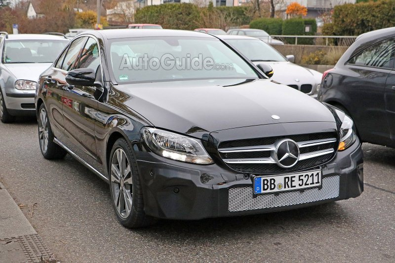 Mercedes-Benz C-Class 2019 lần đầu lộ diện