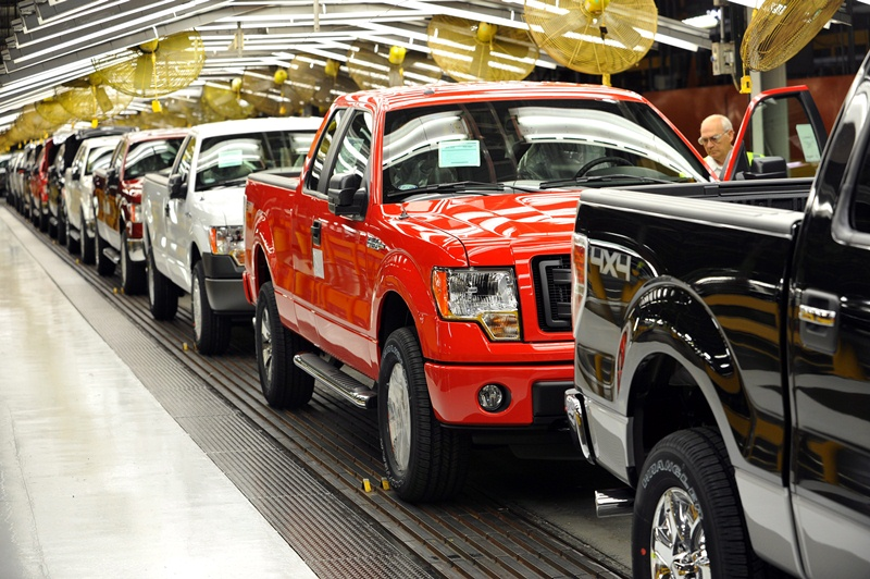 Donald Trump – Cứu cánh cho các nhà sản xuất ô tô tại Mỹ?