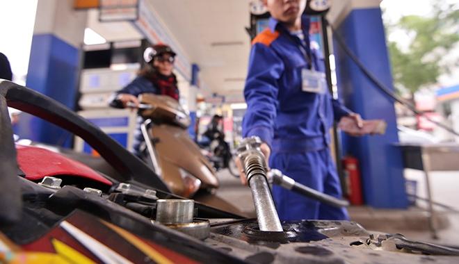 Bộ Tài chính lấy ý kiến dự thảo: Xăng sẽ tăng giá mạnh?
