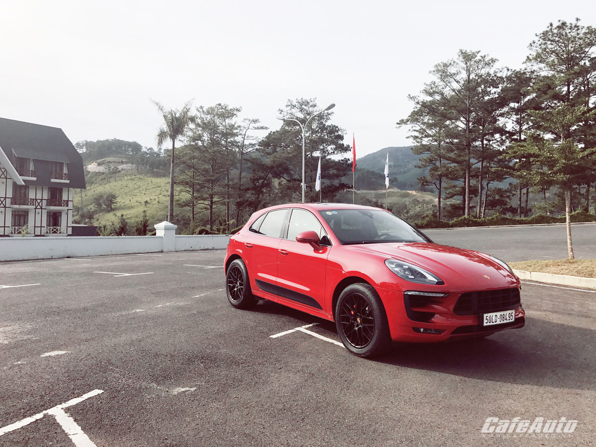Cơ hội lái thử và trải nghiệm Porsche Macan dịp đầu năm